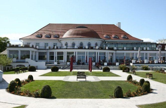 Das ATLANTIC Grand Hotel Travemünde heißt ab dem 18. Mai seine Gäste wieder an der Ostsee willkommen.