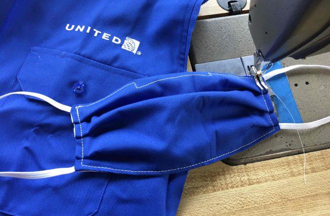 United Airlines stellt Mund-Nasen-Masken aus alten Uniformen her