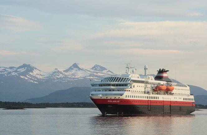 Hurtigruten setzt vorübergehend Expeditions-Seereisen aus