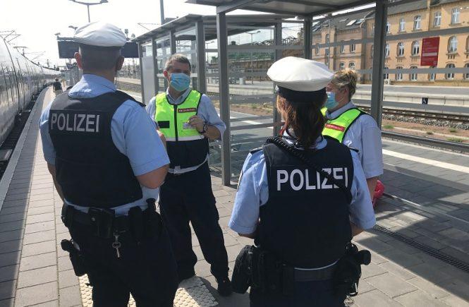 Die Deutsche Bahn setzt bundesweite Masken-Kontrollen fort