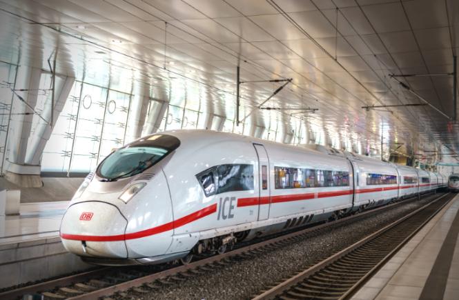 Deutsche Bahn hält Kurs auf Pünktlichkeitsziel