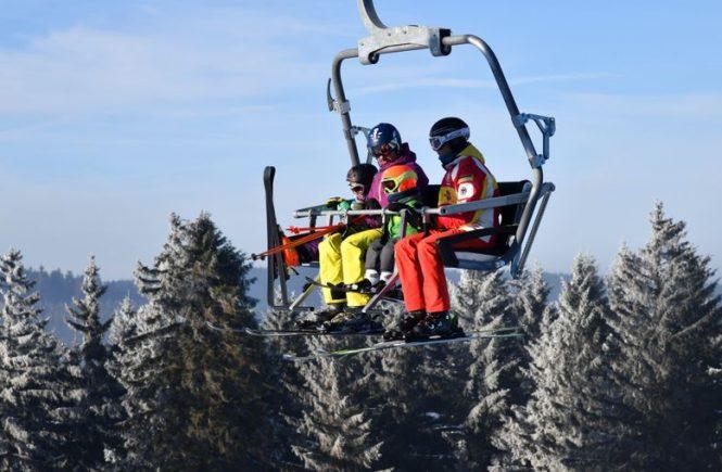 Wintersportregionen in Thüringen bangen um den Saisonstart
