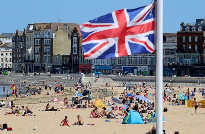 Großbritannien kündigt kürzere Quarantäne für Einreisende an