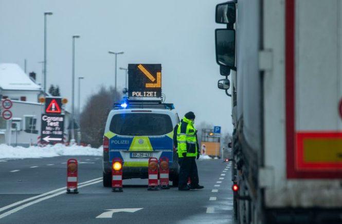 Ausreiseauflagen in Tirol und Grenzkontrollen zu Tschechien
