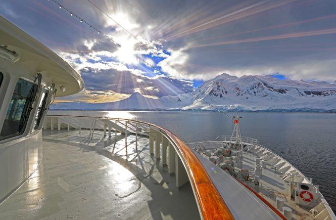 Mit MS »Hamburg« von Plantours Kreuzfahrten ab Hamburg bis in die Antarktis