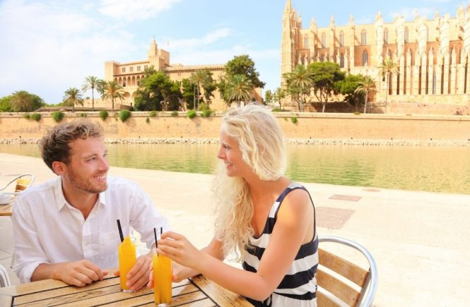 Gastwirte auf Mallorca empfangen wieder Gäste