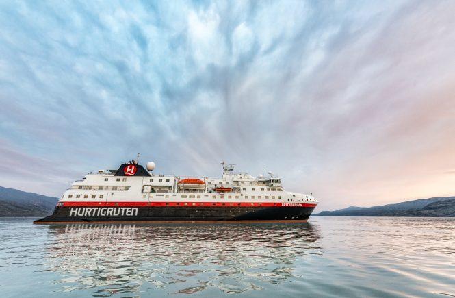 Russlands Norden mit Hurtigruten Expeditions erkunden