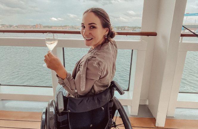 Taufpatin von AIDAcosma Kristina Vogel auf Entspannungstour