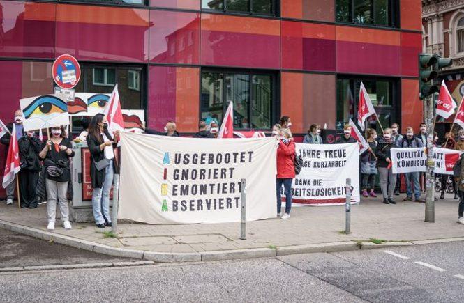 AIDA-Beschäftigte demonstrieren in Hamburg