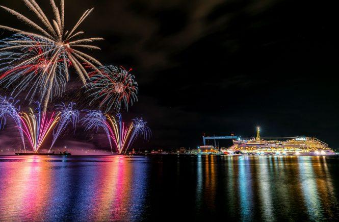 Kieler Woche: Licht- und Feuerwerkshow mit AIDAluna